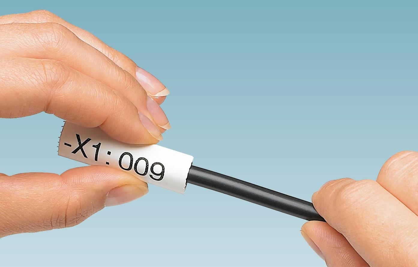 Marcatura autofissante di conduttori e cavi con tubo di marcatura flessibile ovale