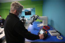 Nasce a Monza il primo laboratorio in Italia con robot collaborativi