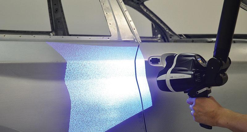 La scansione a luce bianca 3D ultraveloce ora disponibile sull'Absolute Arm di Hexagon