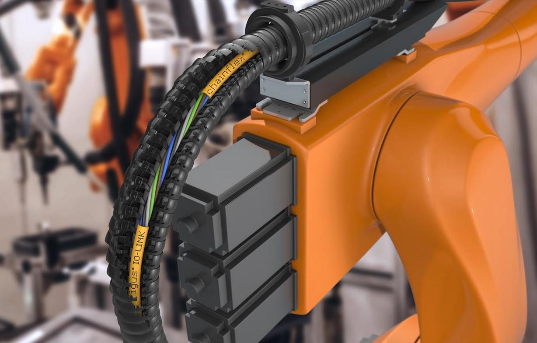I nuovi cavi chainflex IO-Link garantiscono una comunicazione sicura anche nelle applicazioni torsionali